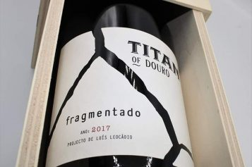 TITAN OF DOURO . FRAGMENTADO